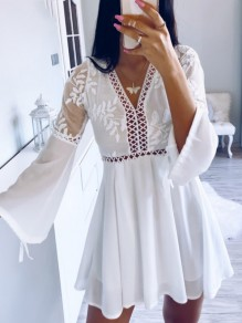 White Patchwork Cut Out Backless V-neck Long Sleeve Fashion Mini Dress