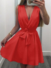 Red Belt Pleated V-neck Homecoming Party Mini Dress