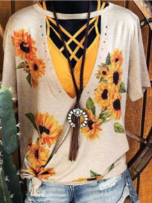 White Sunflower Print Cut Out Short Sleeve Double Slit Casual T-shirt