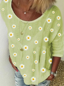 Green Daisy Pattern Round Neck Three Quarter Length Sleeve Casual T-Shirt