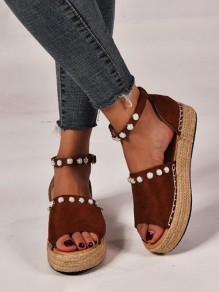 Brown Round Toe Buckle Pearl Fashion Flat Sandals