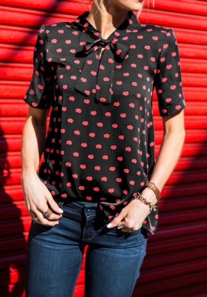 Black-Red Lips Floral Plus Size Bow Collar Short Sleeve Casual Blouse
