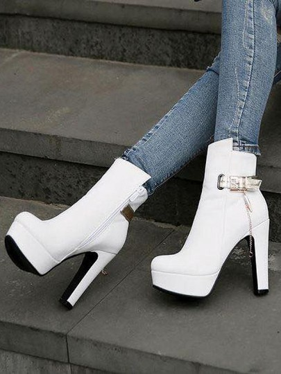 White Round Casual High-Heeled Boots